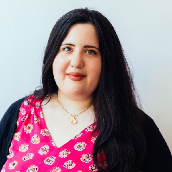 Image of Hoboken, New Jersey psychotherapist, Danielle Fokschner. She specializes in LGBTQ+ issues, anxiety, and Depression
